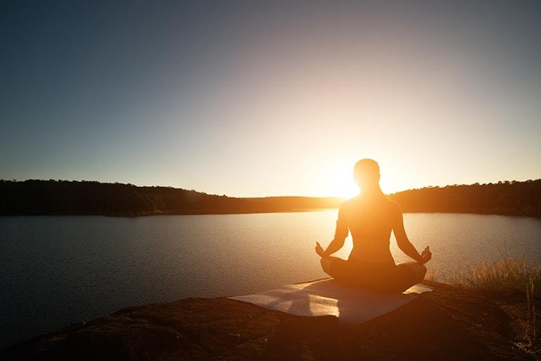 La meditazione Vipassana: un cammino interiore alla ricerca di noi stessi