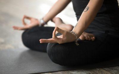 Gyan Mudra: il gesto della conoscenza che ti aiuta a liberare la mente