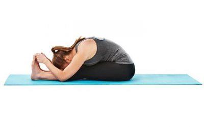 Paschimottanasana: il piegamento in avanti da seduto